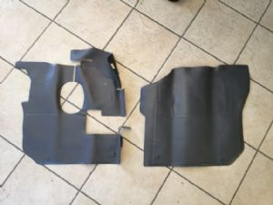Isuzu F-Series & Giga 1999-2006 Genuine floor mats